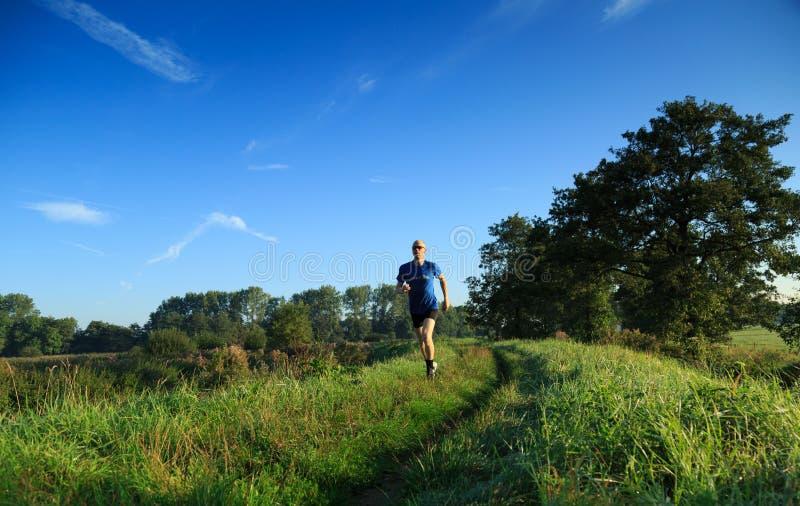 Τρέξιμο ιχνών! στοκ εικόνες με δικαίωμα ελεύθερης χρήσης