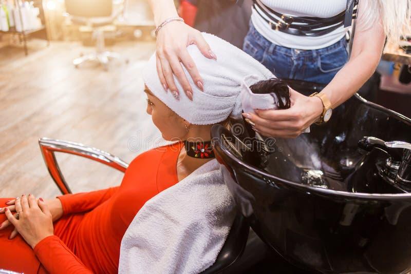 Τρέφοντας πετρέλαιο, μάσκα τρίχας Τρίχα care Spa στοκ εικόνες
