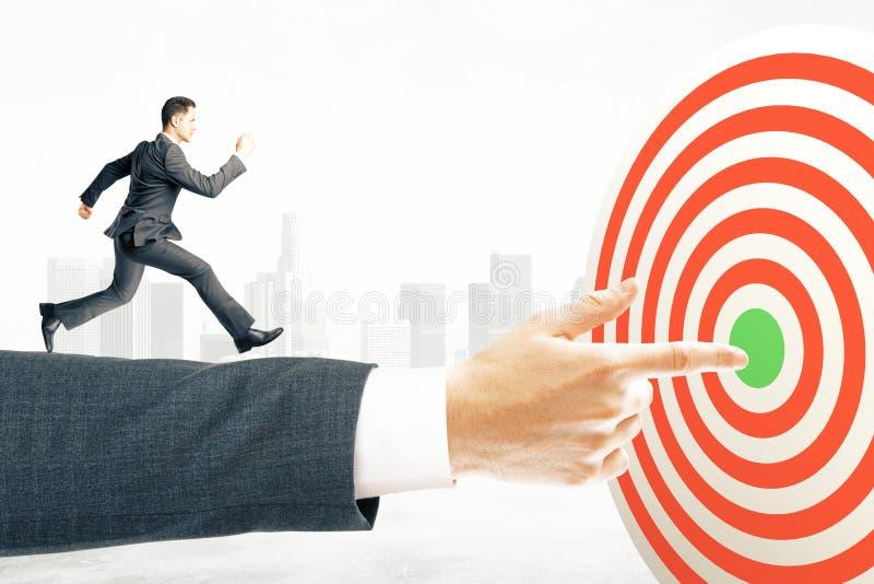 Τρέχοντας επιχειρηματίας έννοιας στόχου στοκ φωτογραφίες