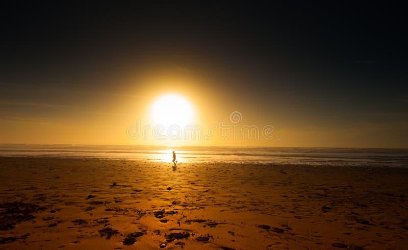 τρέχοντας ηλιοβασίλεμα στοκ φωτογραφία με δικαίωμα ελεύθερης χρήσης