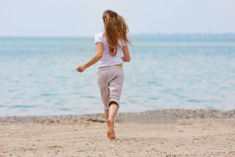 τρέχοντας νεολαίες κορ&io στοκ φωτογραφία με δικαίωμα ελεύθερης χρήσης