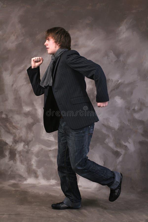Download τρέχοντας πίεση στοκ εικόνες. εικόνα από έφηβος, μαντίλι - 1542008