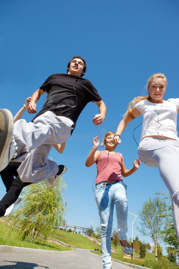 τρέχοντας σπουδαστές στοκ φωτογραφίες