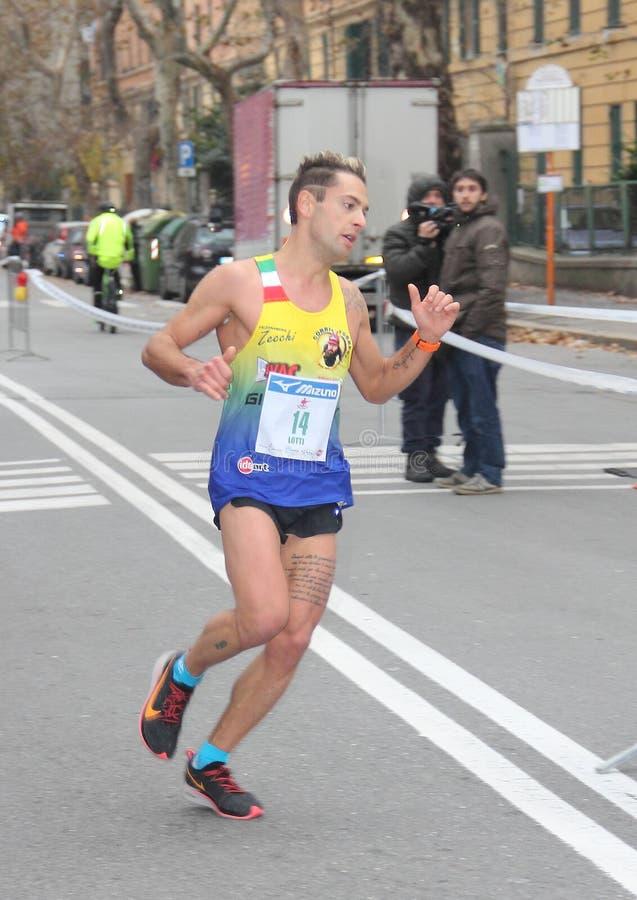 Τρέχοντας φυλή μαραθωνίου πόλεων της Γένοβας στις 2 Δεκεμβρίου 2018 στοκ εικόνες