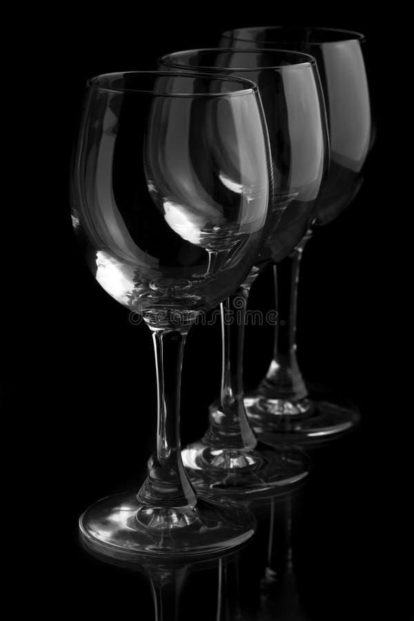 Τρία κομψά γυαλιά κρασιού στοκ εικόνες με δικαίωμα ελεύθερης χρήσης