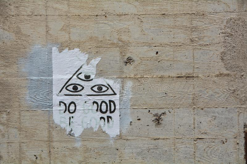 Τρία μάτια στον τοίχο ενός σορού στο Κορβάλις του Όρεγκον στοκ φωτογραφία με δικαίωμα ελεύθερης χρήσης