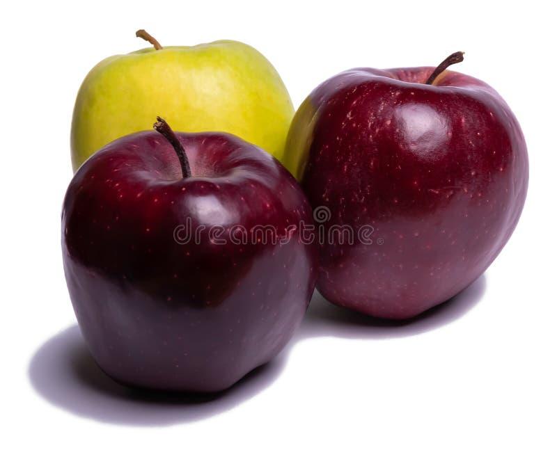 Τρία μήλα που απομονώνονται στοκ φωτογραφίες