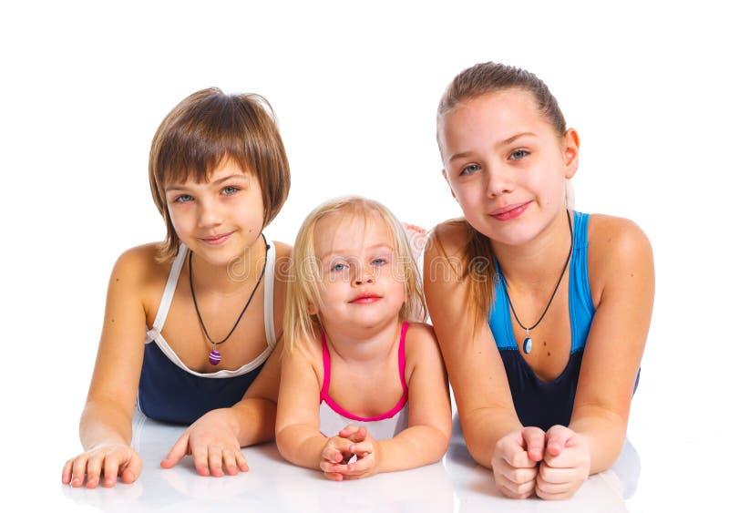 Τρία νέα όμορφα κορίτσια στοκ εικόνα