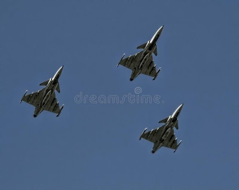 Τρία πολεμικό τζετ Gripen στο σχηματισμό στοκ φωτογραφία με δικαίωμα ελεύθερης χρήσης