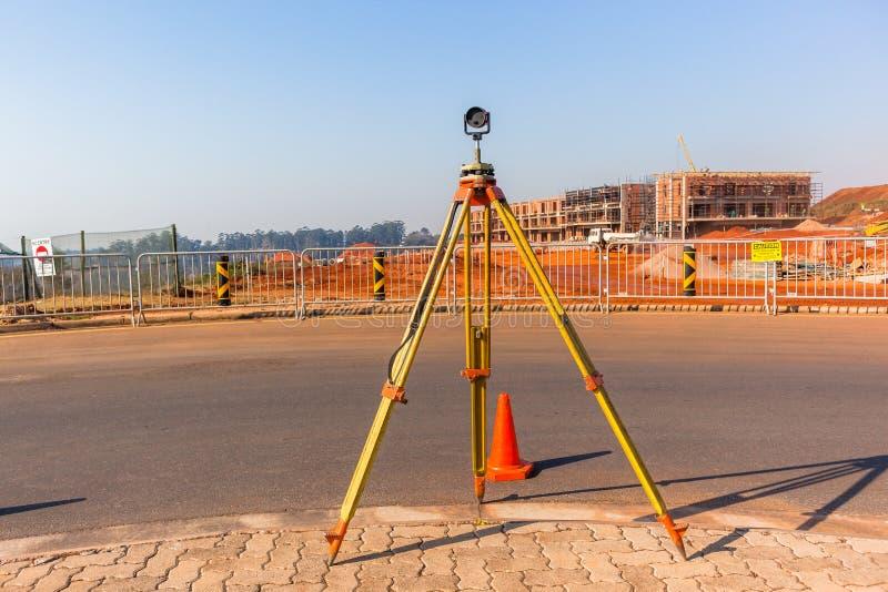 Τρίποδο πεδίου έρευνας εδάφους κατασκευής στοκ εικόνες