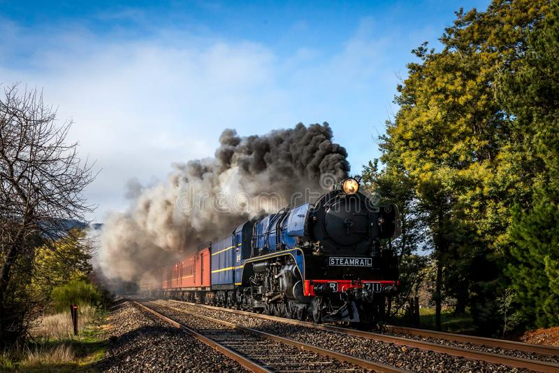 Τραίνο ατμού, Woodend, Βικτώρια, Αυστραλία, τον Αύγουστο του 2017 στοκ φωτογραφίες