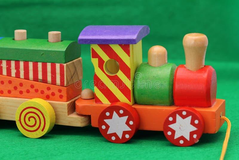 τραίνο παιχνιδιών ξύλινο στοκ φωτογραφία με δικαίωμα ελεύθερης χρήσης
