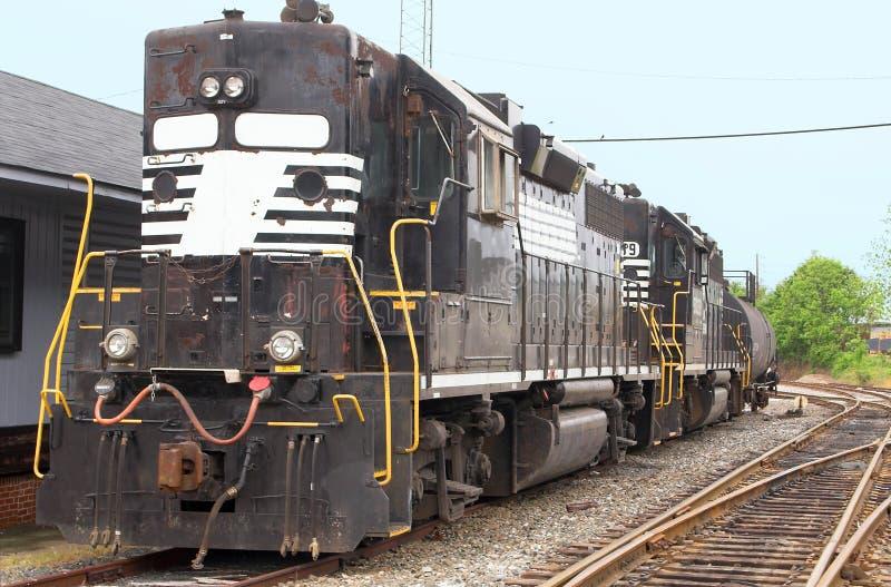 τραίνο σταθμών diesel στοκ εικόνες με δικαίωμα ελεύθερης χρήσης