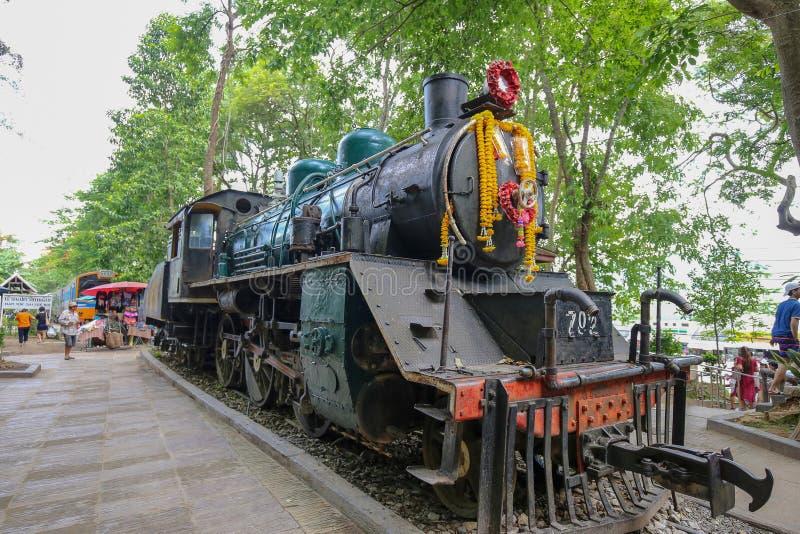 Τραίνο στο σταθμό καταρρακτών Saiyoknoi στοκ φωτογραφία με δικαίωμα ελεύθερης χρήσης