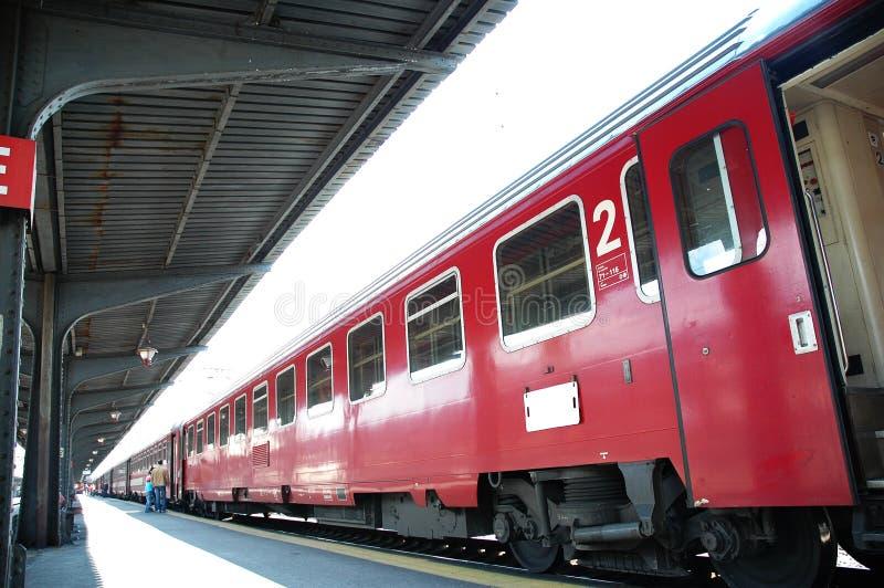 Download τραίνο στοκ εικόνες. εικόνα από γραμμές, τραίνο, πόλη, άσπρος - 117678