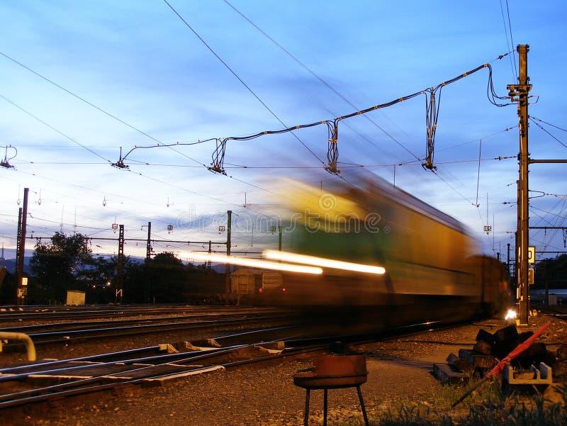 Download τραίνο στοκ εικόνα. εικόνα από ηλεκτρικός, επιβάτης, δρόμος - 383987