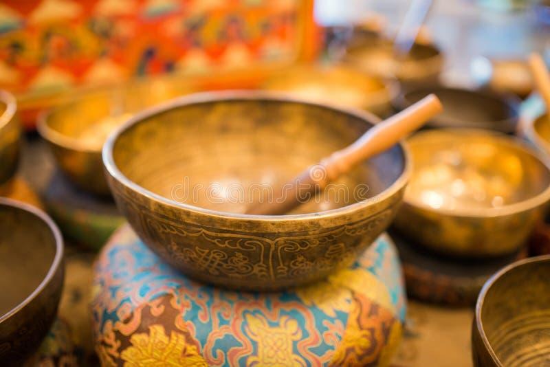 Τραγουδώντας κύπελλο, θιβετιανά κύπελλα, κύπελλα Himalayan στοκ εικόνες