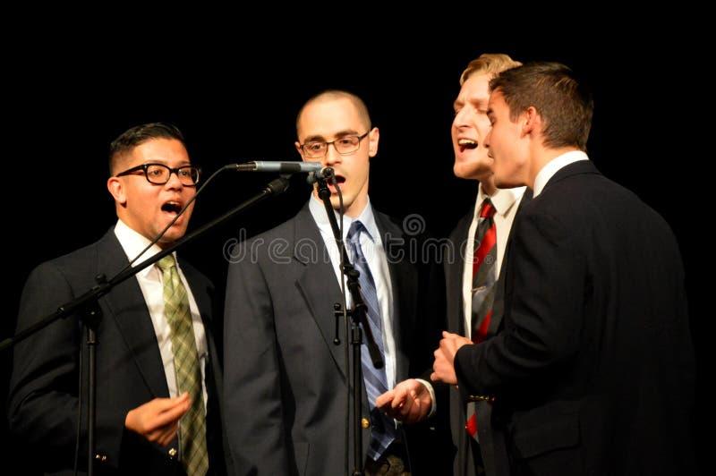 Τραγουδώντας κουαρτέτο ατόμων στοκ εικόνες