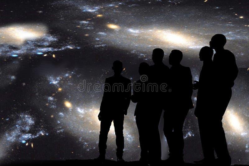 Τραγούδι κάτω από τα αστέρια στοκ εικόνες με δικαίωμα ελεύθερης χρήσης