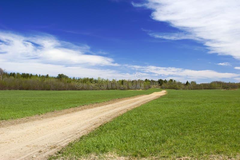 τρακτέρ διαδρομής πεδίων στοκ φωτογραφία με δικαίωμα ελεύθερης χρήσης