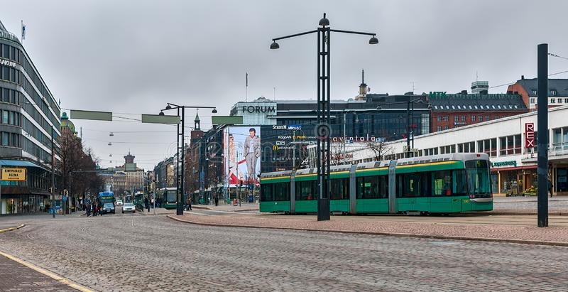 Τραμ στο κέντρο της πόλης του Ελσίνκι, Φινλανδία στοκ φωτογραφία με δικαίωμα ελεύθερης χρήσης