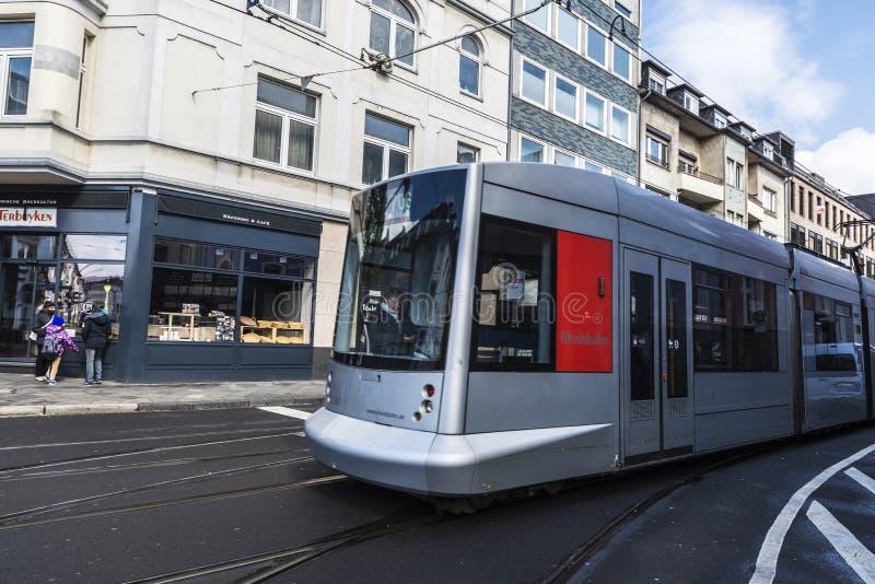 Τραμ στο Ντίσελντορφ, Γερμανία στοκ φωτογραφία