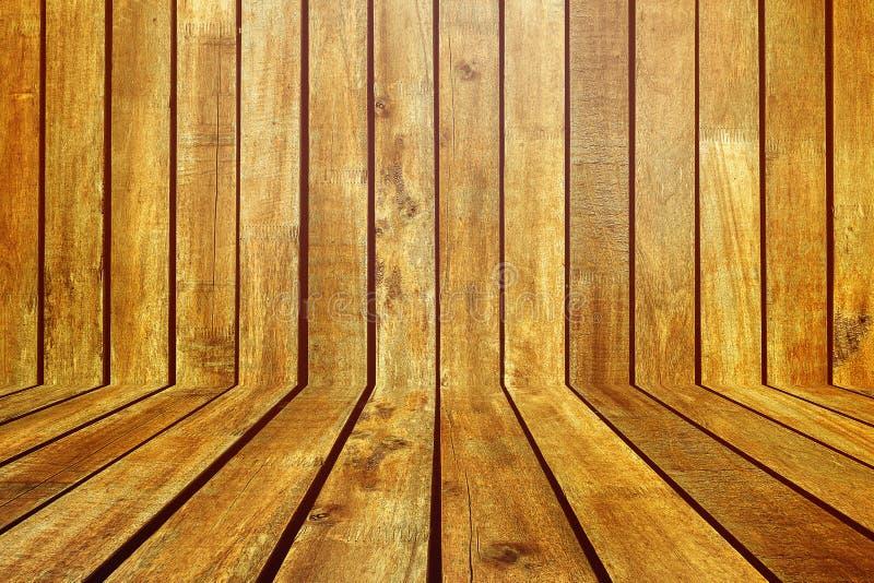 Τραχύ καφετί ξύλινο πάτωμα σανίδων στο ξύλινο δωμάτιο στοκ φωτογραφίες