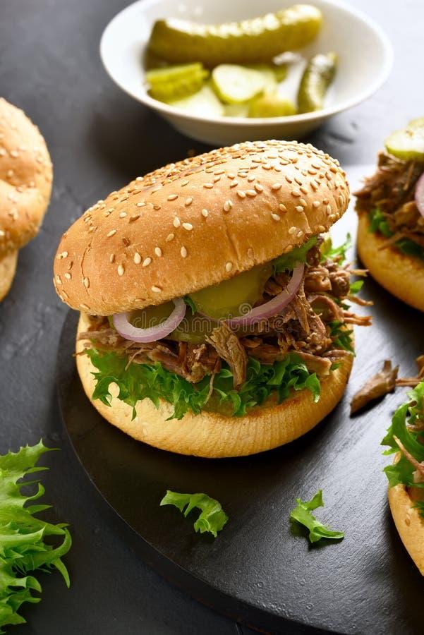 Τργμένο σάντουιτς βόειου κρέατος στοκ φωτογραφίες