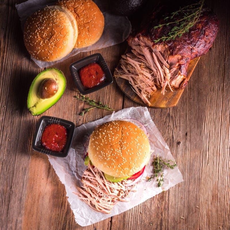 Download Τργμένο χάμπουργκερ χοιρινό κρέας Στοκ Εικόνες - εικόνα από χάμπουργκερ, pork: 62703438