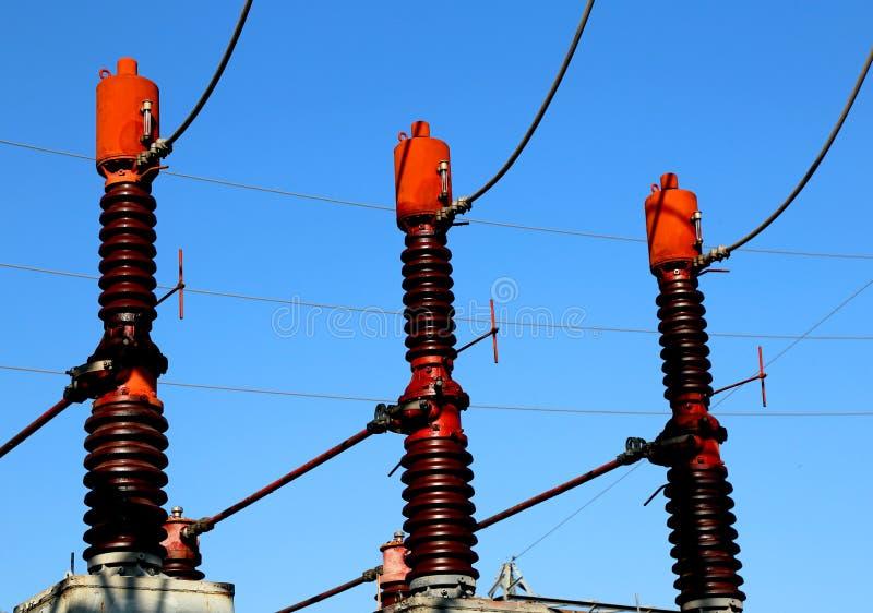 τρεις μεγάλοι διακόπτες στις εγκαταστάσεις παραγωγής ενέργειας για την παραγωγή του elec στοκ φωτογραφία με δικαίωμα ελεύθερης χρήσης