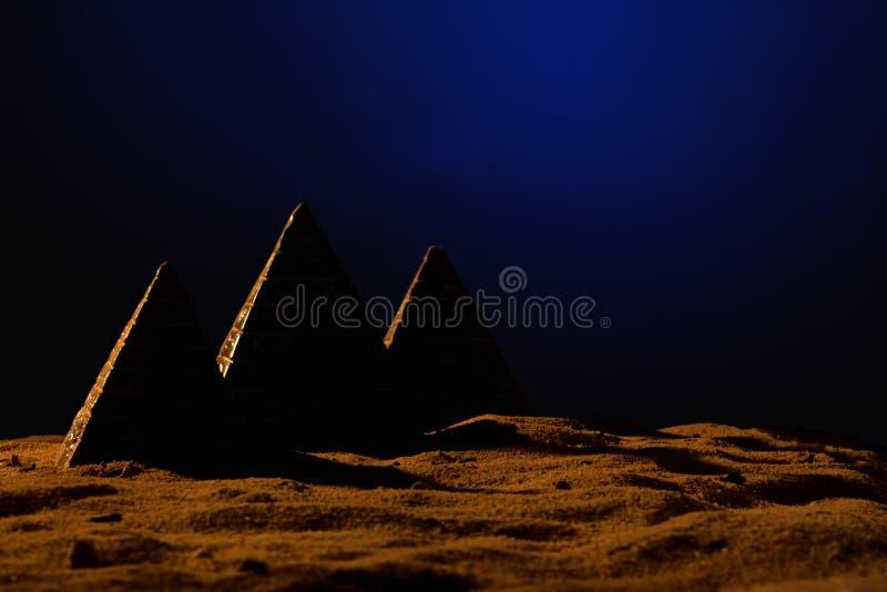 Τρεις πυραμίδες στοκ εικόνα με δικαίωμα ελεύθερης χρήσης