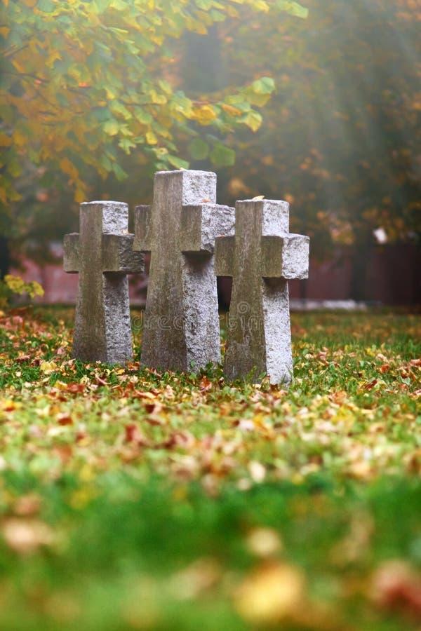 Τρεις σταυροί τάφων στοκ εικόνες με δικαίωμα ελεύθερης χρήσης
