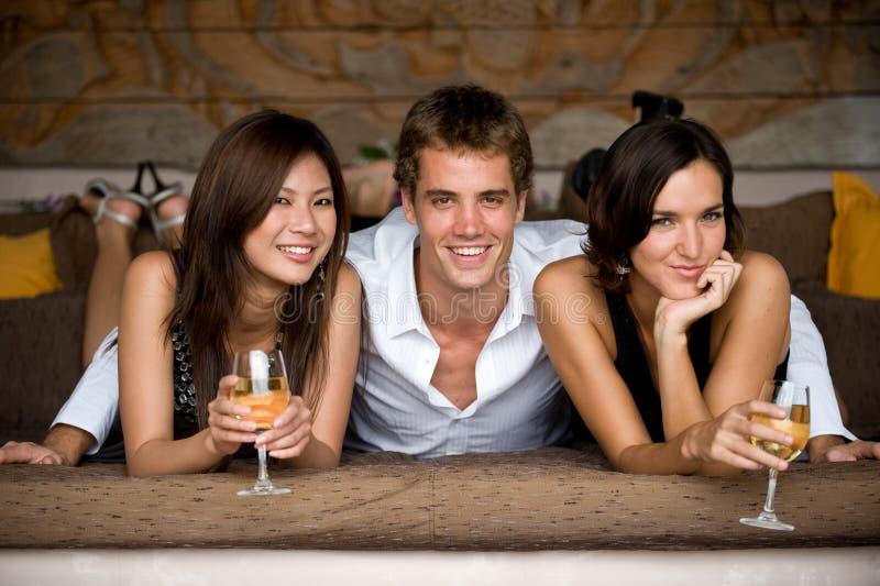 Τρεις φίλοι στοκ φωτογραφία με δικαίωμα ελεύθερης χρήσης