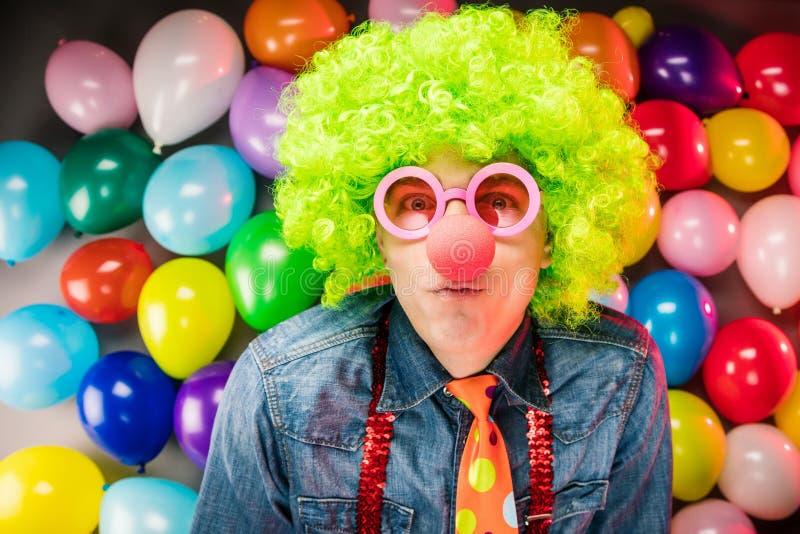 Τρελλό νέο άτομο κόμματος - φωτογραφία θαλάμων φωτογραφιών στοκ εικόνα με δικαίωμα ελεύθερης χρήσης