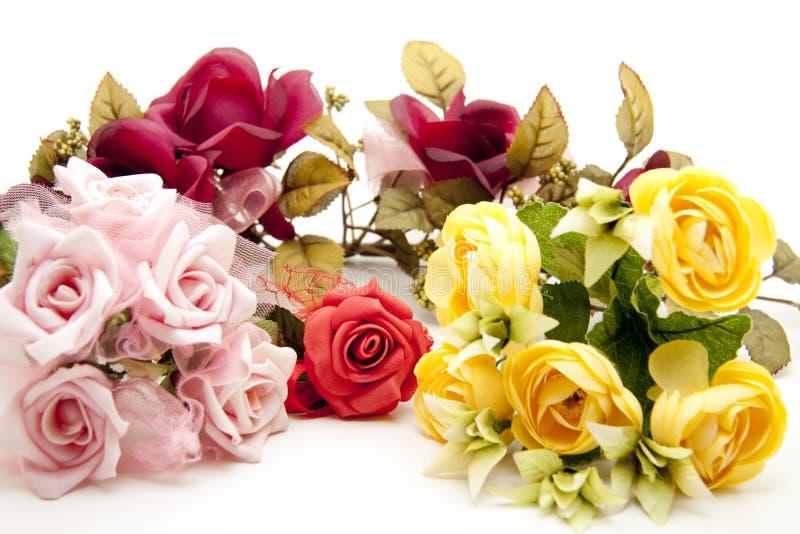 Download τριαντάφυλλα δεσμών στοκ εικόνες. εικόνα από πράσινος - 17050960