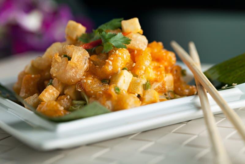 Τριζάτο ταϊλανδικό πιάτο γαρίδων στοκ εικόνα