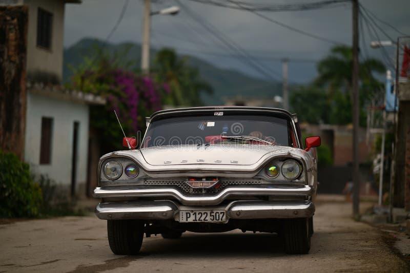 Τρινιδάδ, Κούβα, στις 17 Αυγούστου 2018: Εκλεκτής ποιότητας αυτοκίνητο στην οδό του Τρινιδάδ στοκ φωτογραφία με δικαίωμα ελεύθερης χρήσης