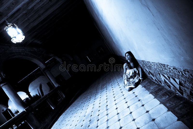 τρομαγμένη γυναίκα στοκ εικόνες