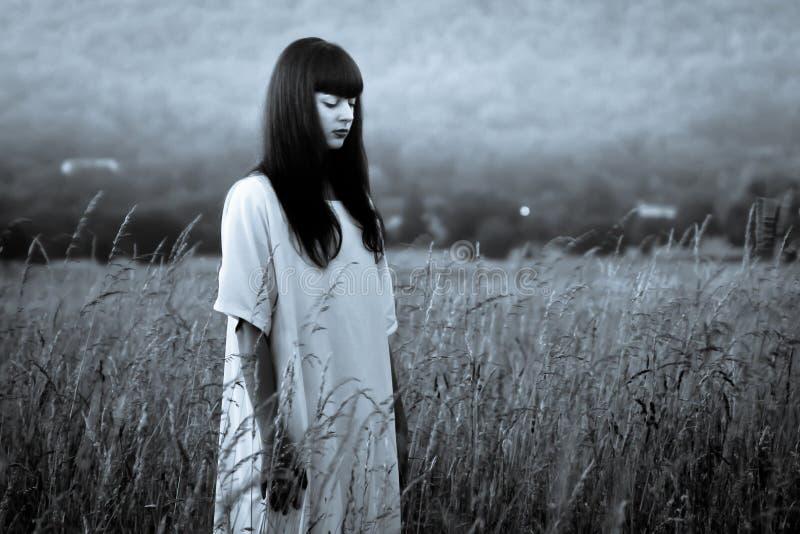 Τρομακτική γυναίκα φρίκης στοκ εικόνα