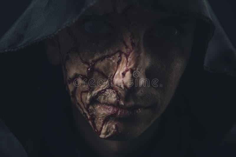 Τρομακτικό άτομο φρίκης στοκ εικόνες με δικαίωμα ελεύθερης χρήσης