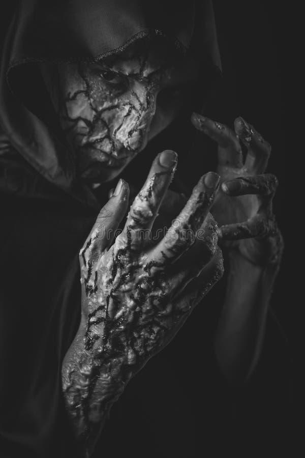 Τρομακτικό άτομο φρίκης στοκ φωτογραφίες