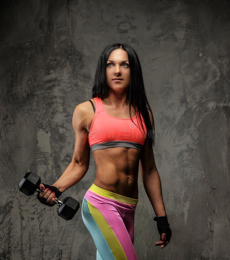 Τρομερή γυναίκα ικανότητας sportswear colorfull στοκ φωτογραφίες με δικαίωμα ελεύθερης χρήσης