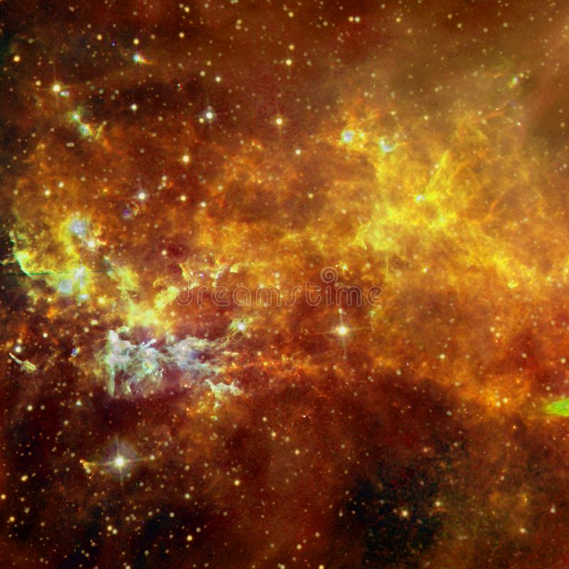 Τρομερή ομορφιά του starfield κάπου στο βαθύ διάστημα στοκ εικόνα με δικαίωμα ελεύθερης χρήσης