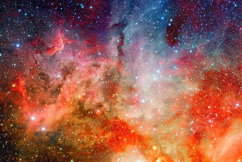 Τρομερό νεφέλωμα με τα αστέρια στο βαθύ διάστημα στοκ εικόνα