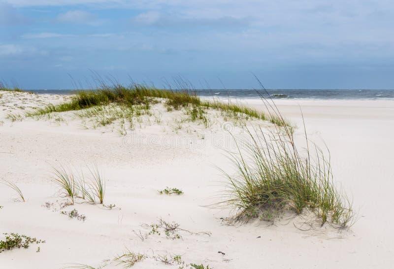 Τροπική άσπρη παραλία άμμου ακτή Κόλπων της Φλώριδας, Αλαμπάμα στοκ εικόνες