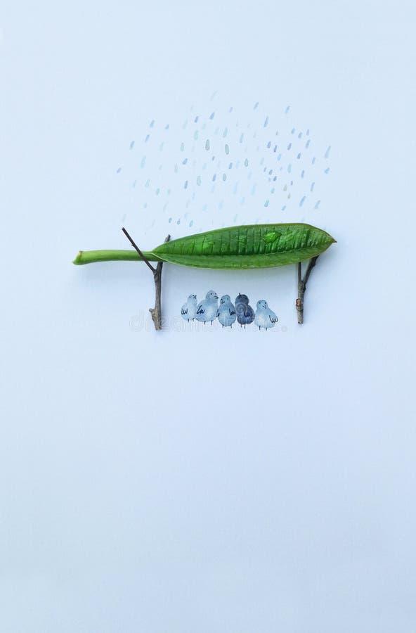 τροπική ομπρέλα εποχής παραλιών βροχερή αμμώδης στοκ εικόνες
