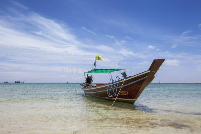 Τροπική παραλία, longtail βάρκες, Koh phangnan, Ταϊλάνδη στοκ φωτογραφία με δικαίωμα ελεύθερης χρήσης