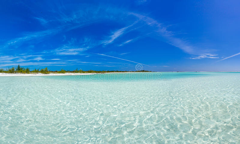 Τροπική παραλία στο βραδύτατο νησί Cayo στοκ φωτογραφία με δικαίωμα ελεύθερης χρήσης