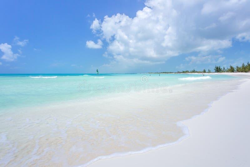 Τροπική παραλία στο βραδύτατο νησί Cayo στοκ φωτογραφίες