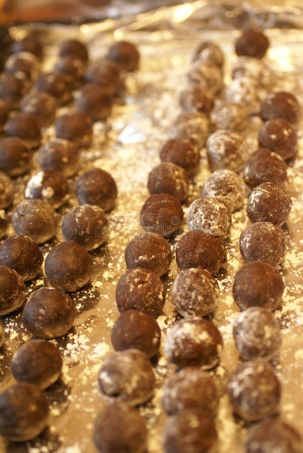 τρούφες δίσκων σοκολάτας στοκ εικόνες